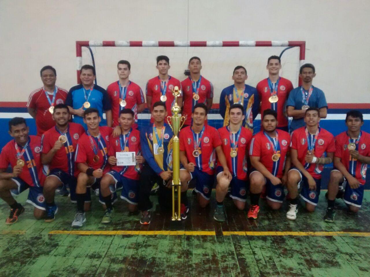Equipe de handebol masculino da Universidade Nilton Lins vence o Campeonato Amazonense