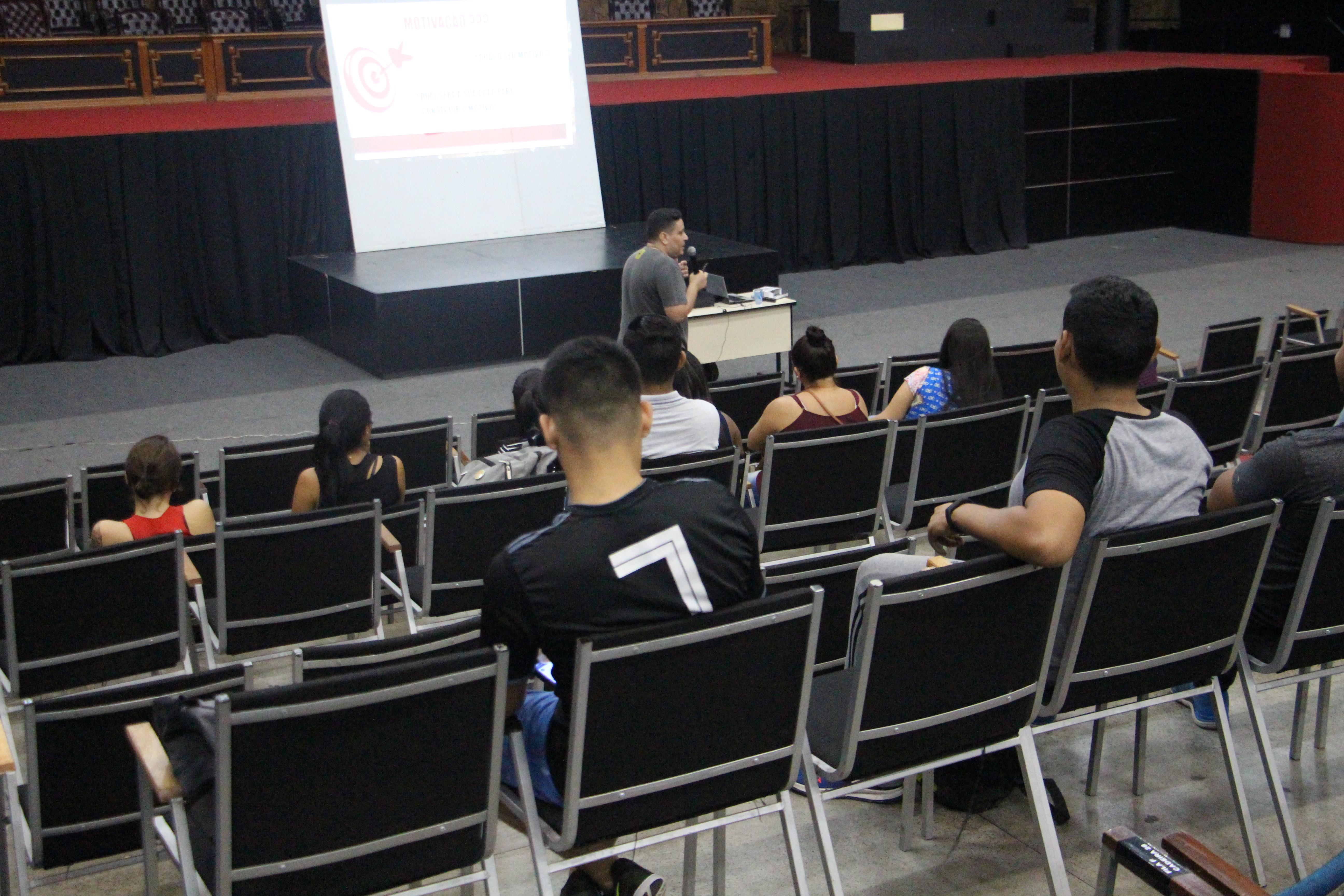 Atlética Nilton Lins e Curso de Educação Física Realizam Jornada Acadêmica no auditório Nina Lins.